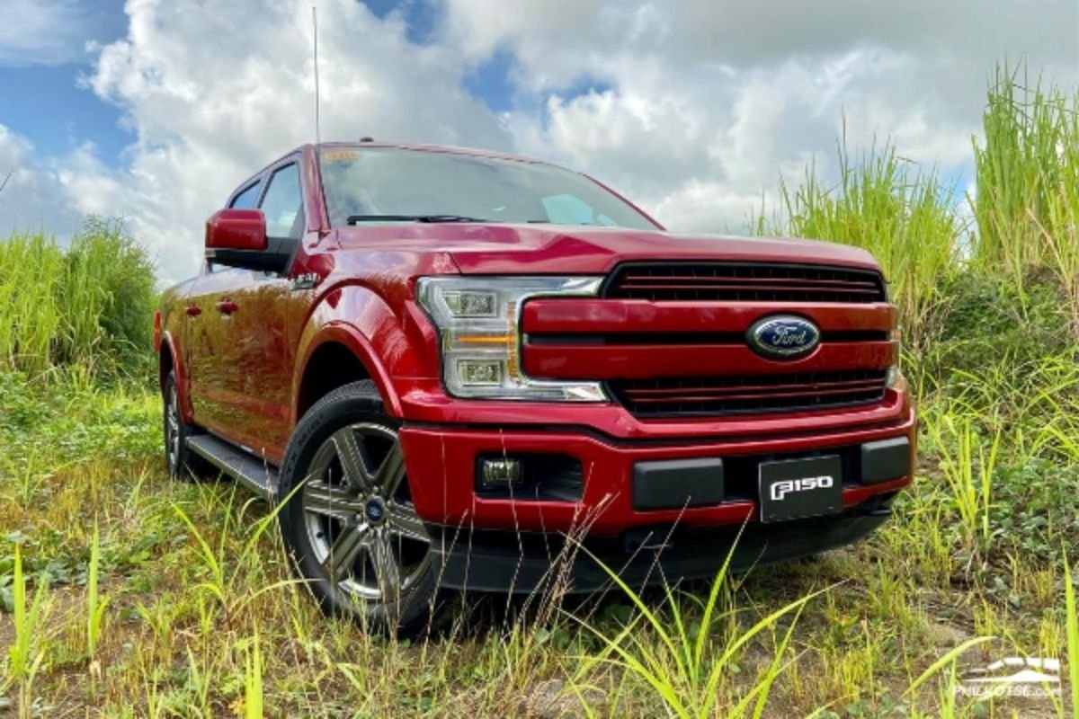 A picture of the F-150 Lariat 4x2 available in the Philippines