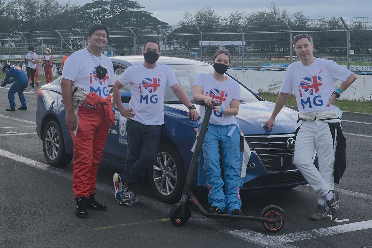 A picture of the MG 5 team during the Bonifacio Endurance Challenge
