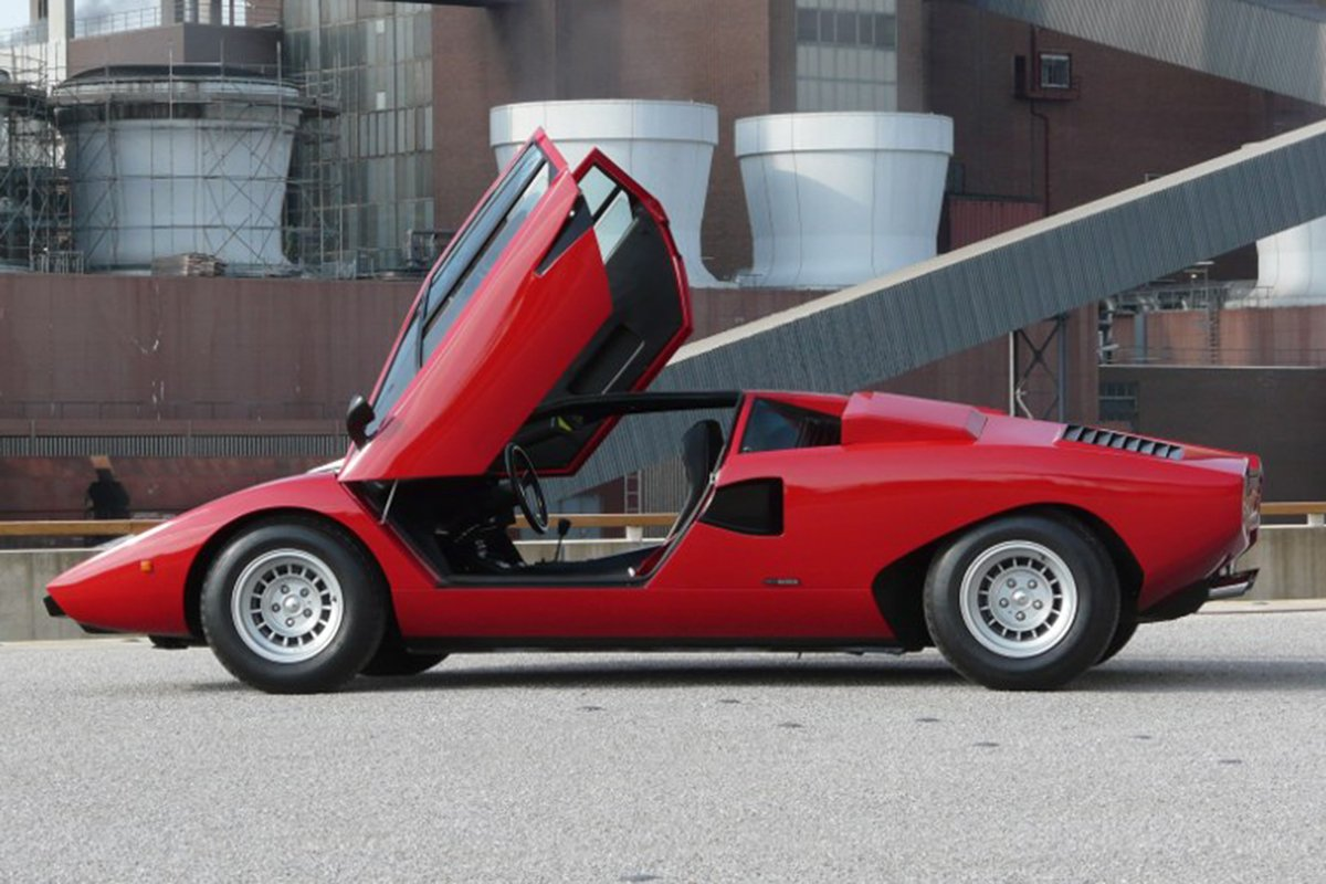 A picture of the Countach with open doors