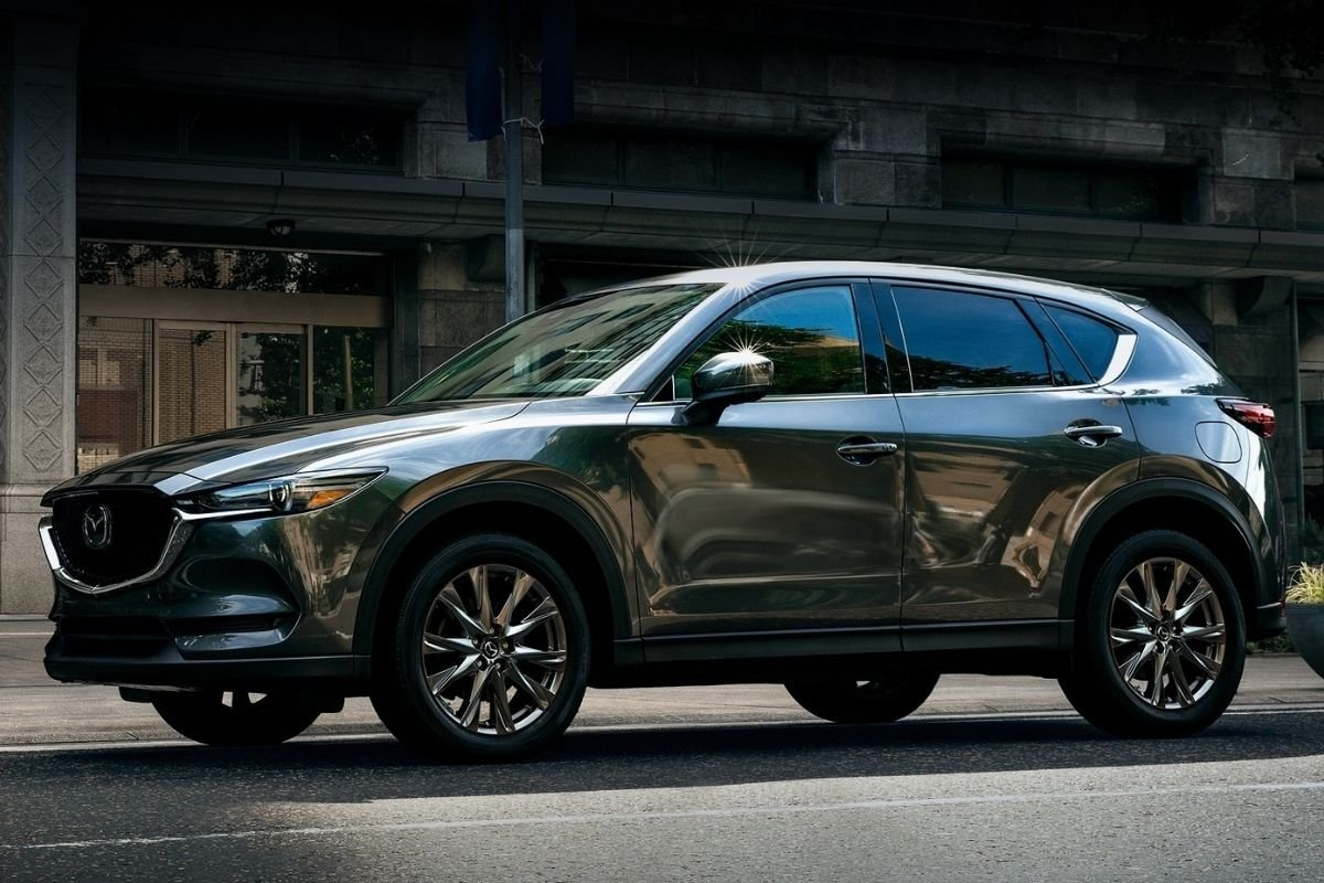 A picture of the side of the Mazda CX-5 Signature