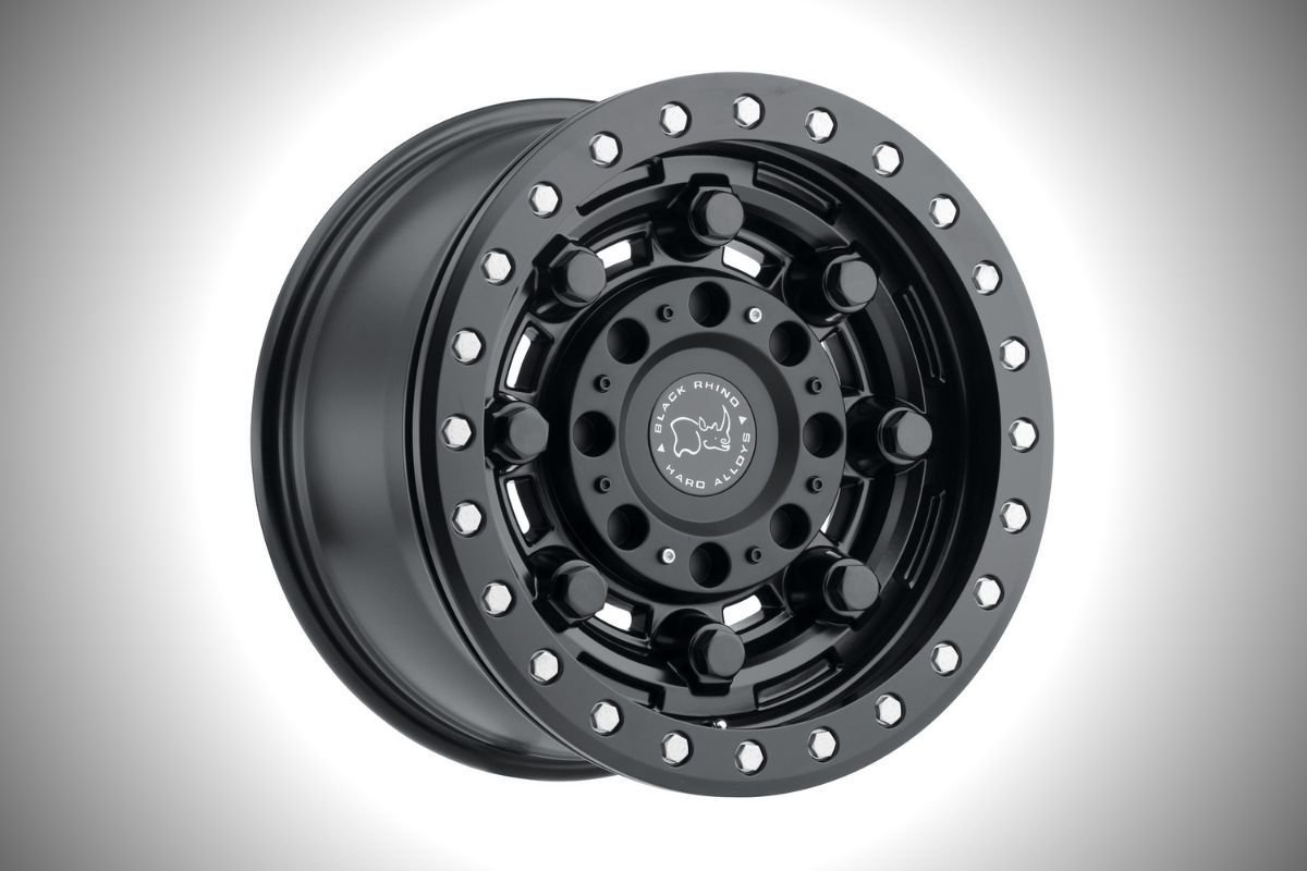A picture of a wheel with beadlock rims