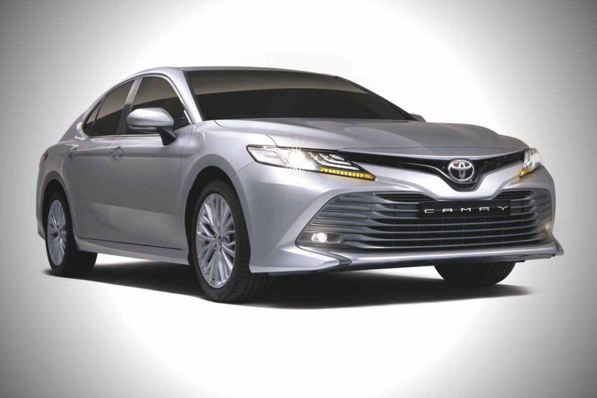 A picture of the Toyota Camry's front