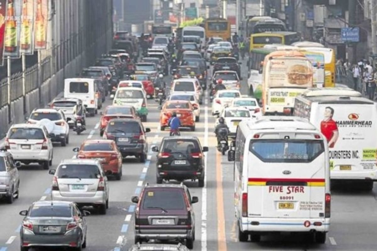 A picture of heavy traffic
