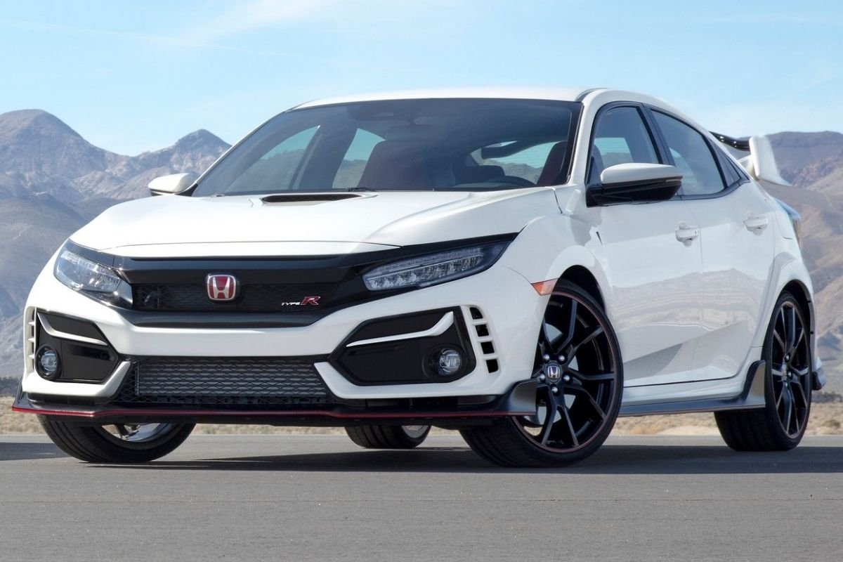 A picture of the facelifted Honda Civic Type R.
