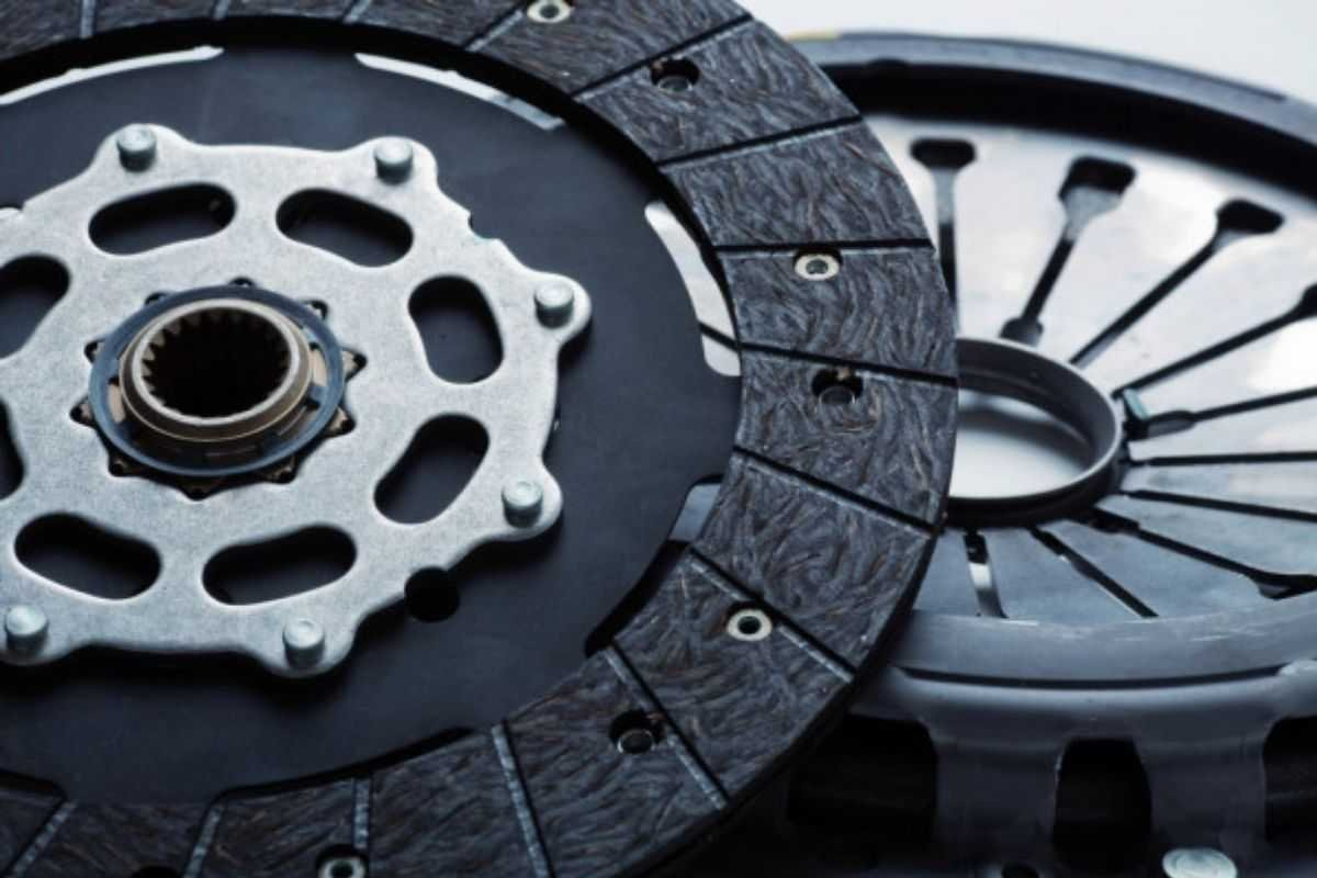 A picture of clutch disc and pressure plate