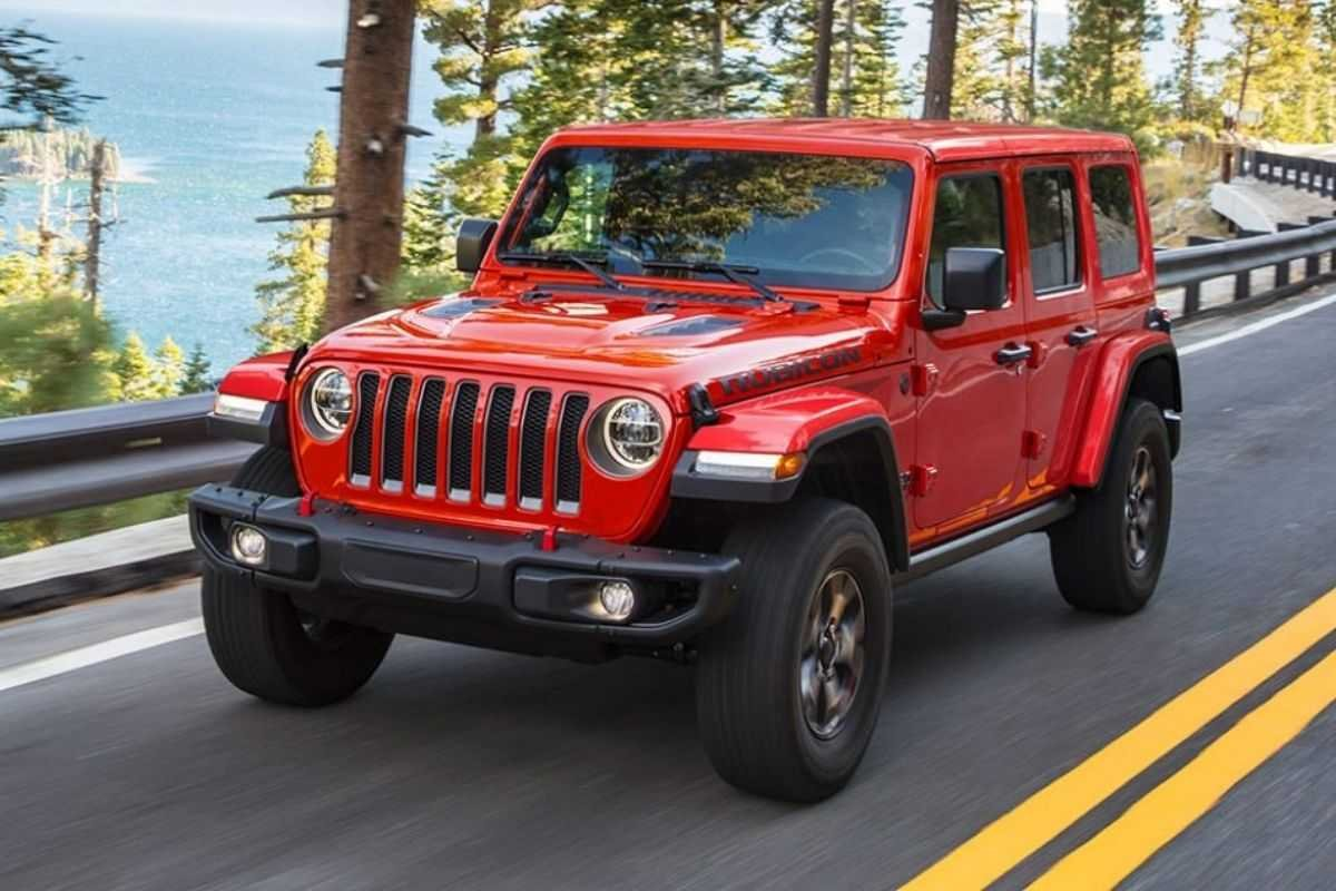 A picture of the Jeep Wrangler Rubicon on the road.