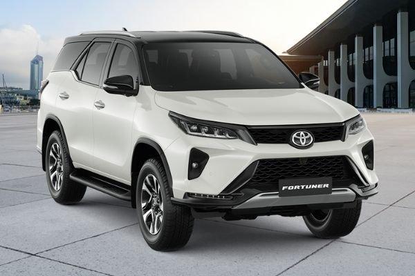 Toyota Fortuner front shot