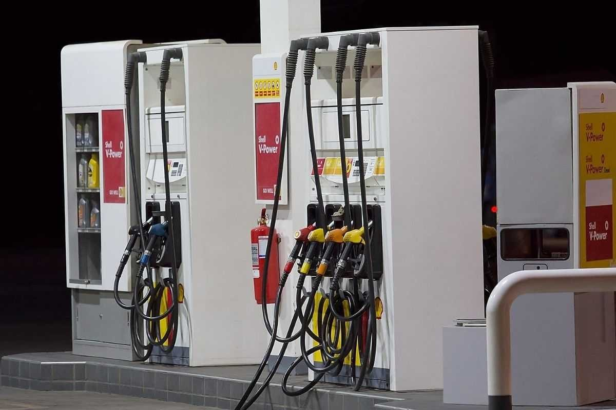 A picture of Shell fuel pumps in the Philippines