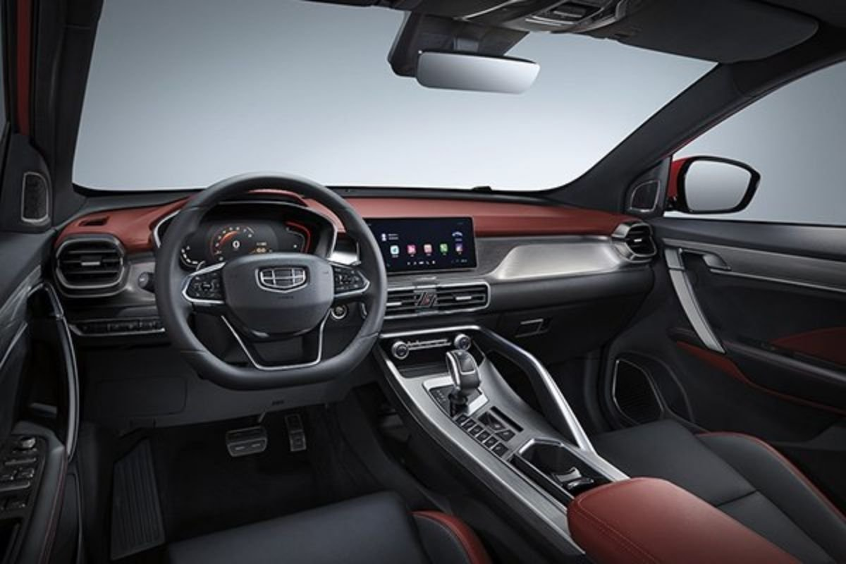 Inside the Geely Coolray Sport
