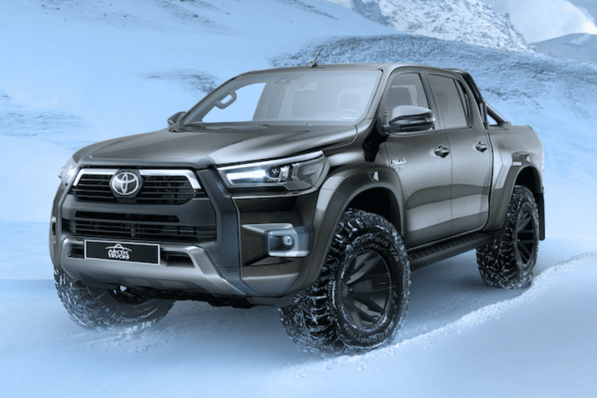 Toyota Hilux AT35 front profile shot
