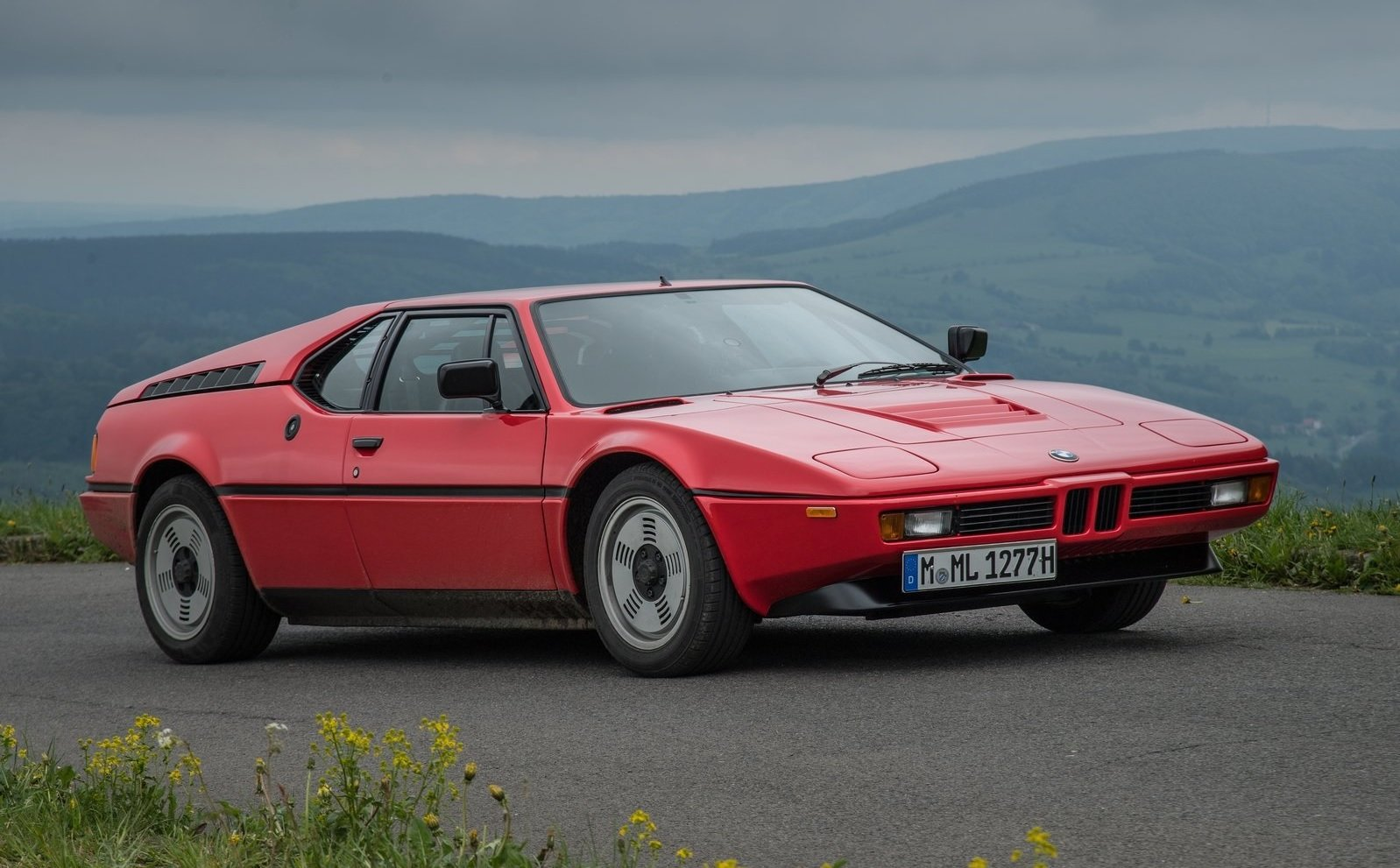 BMW M1 front view