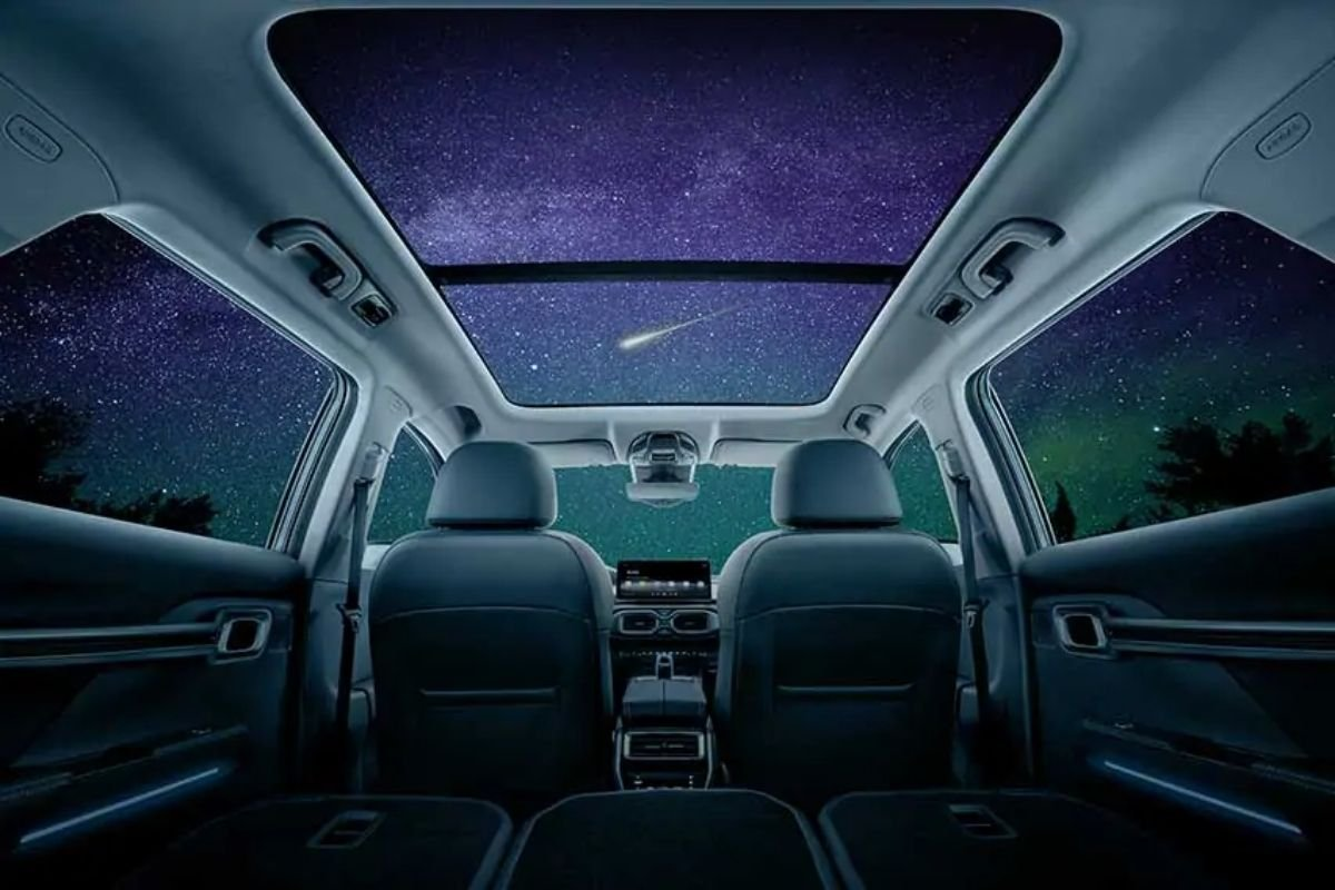 A picture of the Urban Plus' panoramic sunroof