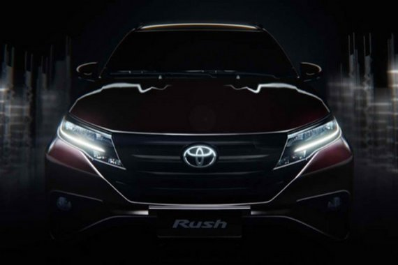 Toyota Rush front view