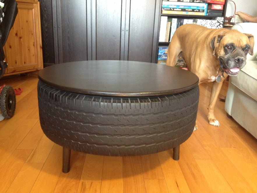 A table tire with a dog