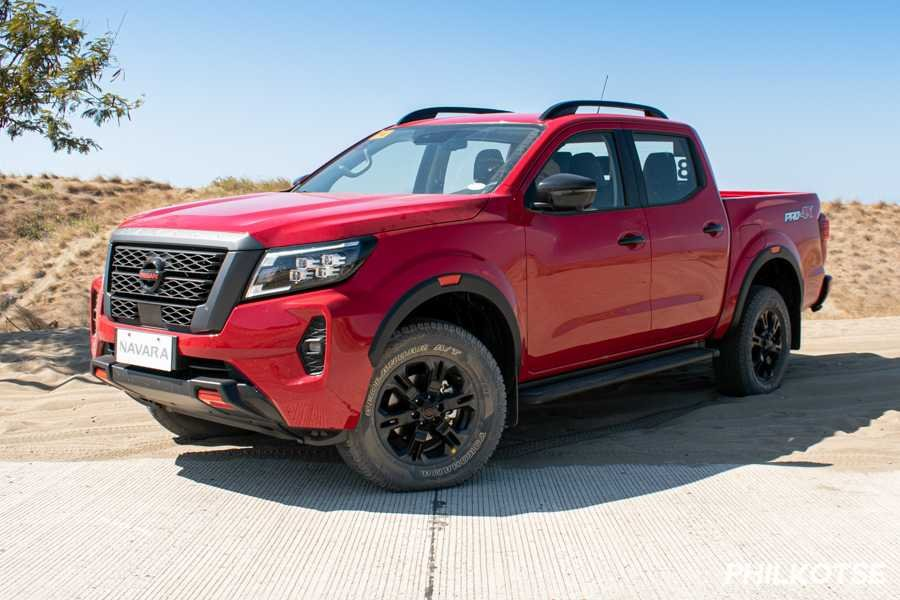 A picture of the 2021 Navara parked at the Paoay sand dunes