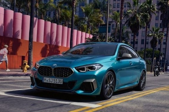 BMW 2 Series front view