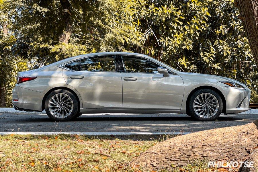 2020 Lexus ES 350 Side View