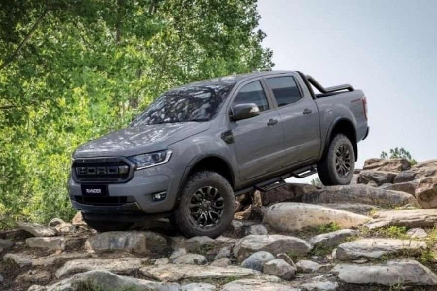 A picture of the new Ford Ranger FX4 Max descending a hill