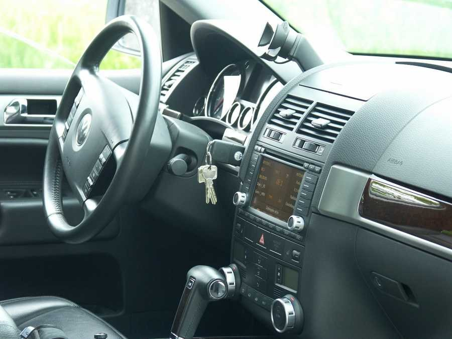 VW dashboard with aircon