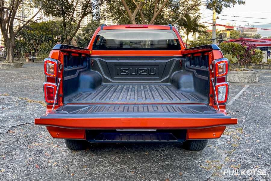 A picture of the D-Max LS-E's bedliner