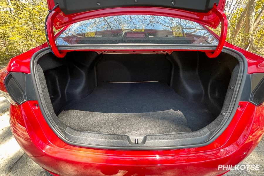 A picture of the Vios G's open trunk