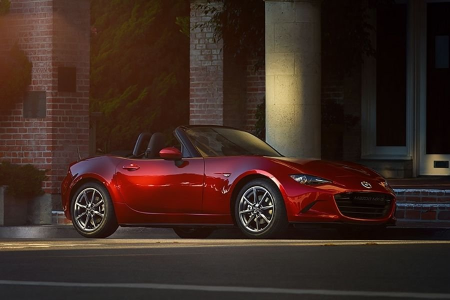 Mazda MX-5 front view