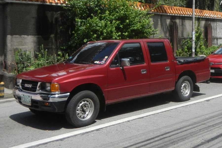 A picture of an Isuzu Fuego in Quezon City