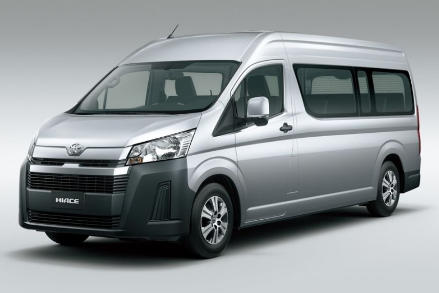 A picture of the Toyota Hiace Commuter Variant