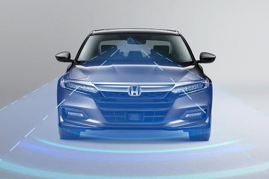 A visualization of the Accord's Honda Sensing driver assist suite doing its job
