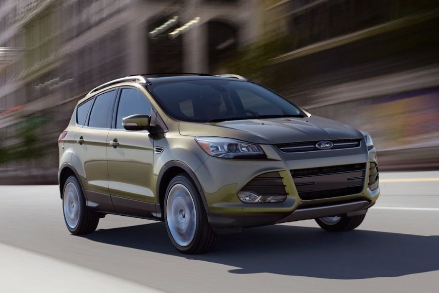 A picture of the 2015 Ford Escape on the road