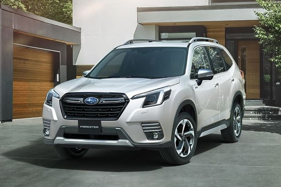 2022 Subaru Forester front view