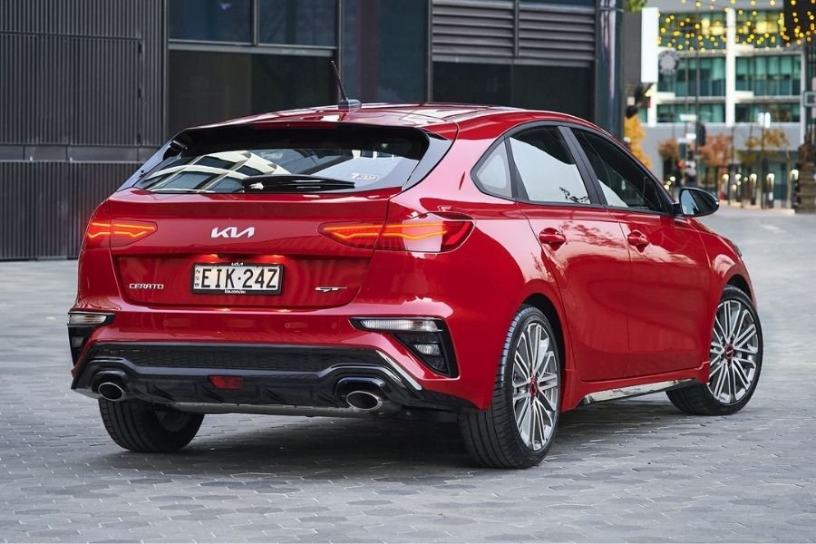 A picture of the rear of the Kia Forte GT