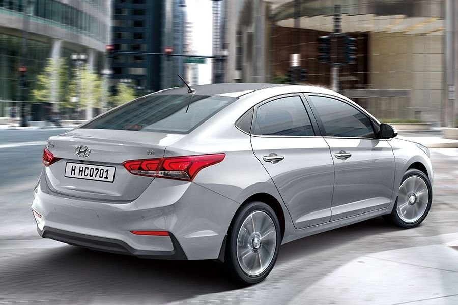 A picture of the Hyundai Accent's rear end