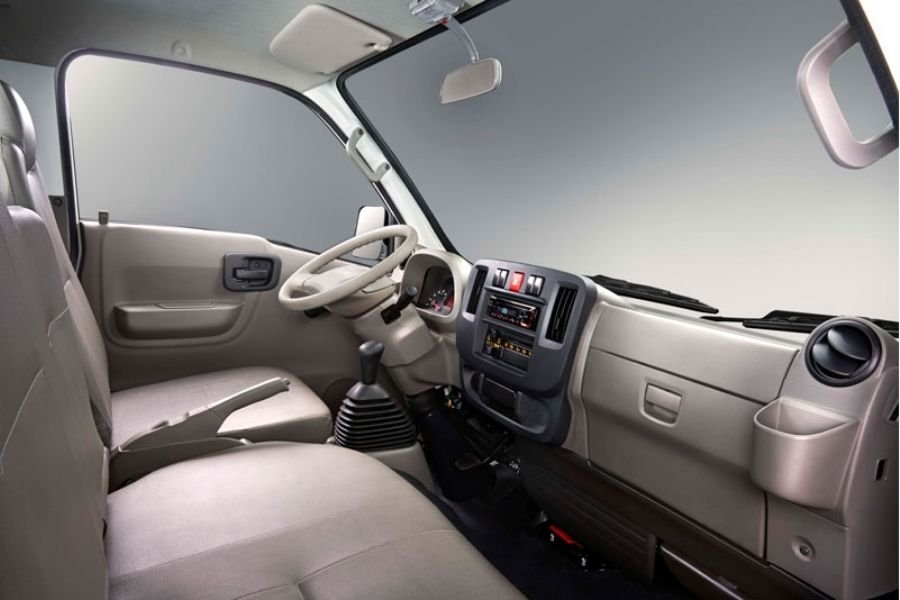 A picture of the Traviz' front cabin