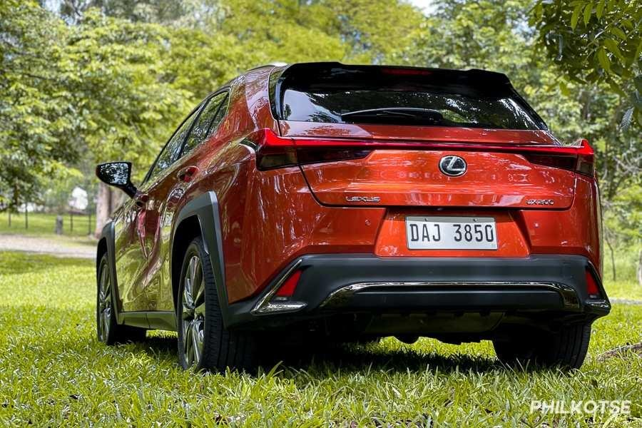A picture of the rear of the Lexus UX 200