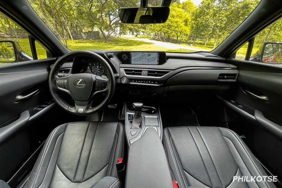A picture of the Lexus UX 200's front cabin