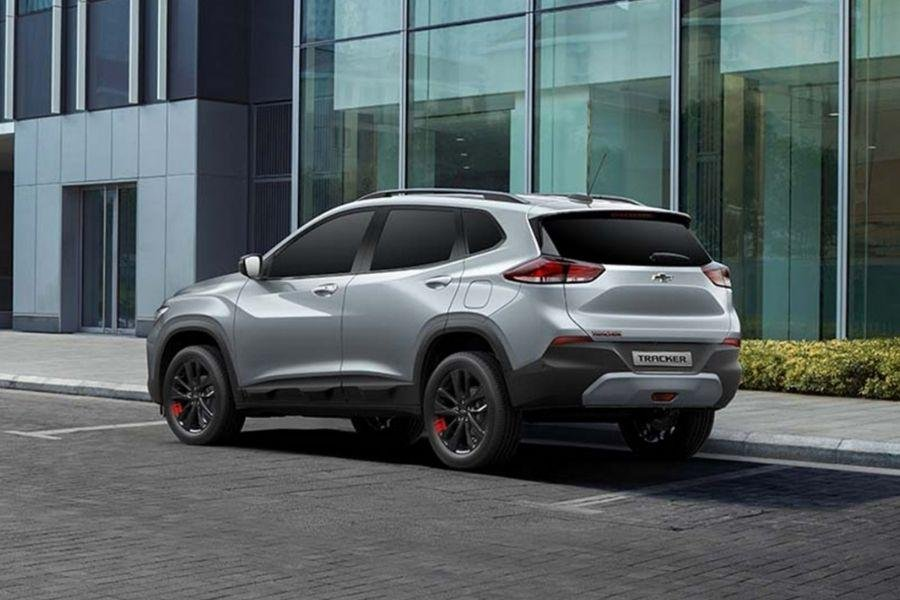 A picture of the rear of the Chevrolet Tracker
