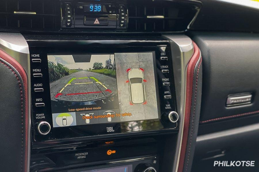 A picture of the Toyota Fortuner LTD's touchscreen displaying a 360 degree view around the car.