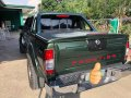 Green Nissan Frontier 2004 at 100000 km for sale -2