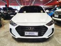 Sell White 2016 Hyundai Elantra at 22000 km -0