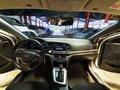 Sell White 2016 Hyundai Elantra at 22000 km -3