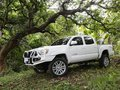 White Toyota Tacoma 2013 for sale in Quezon City -8