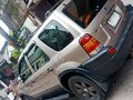 Selling 2nd Hand Ford Escape 2005 in Quezon City -1