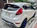 White Ford Fiesta 2013 -5
