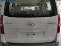 Be the first owner of this 2020 Hyundai Grand Starex (Facelifted) 2.5 CRDi GLS AT (with Swivel) !!!-4