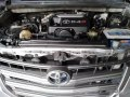 Selling Brightsilver Toyota Innova 2014 in Las Piñas-1