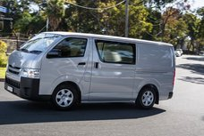 2016 Toyota HiAce: Large capacity but basic servicing