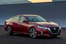 Nissan Altima 2019 sets a new benchmark for Nissan midsize sedans with its new face
