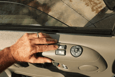 Troubling with Car Windows Stuck? Here's How to Fix Them