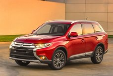 Mitsubishi Outlander PHEV chosen by solar company as vehicle partner
